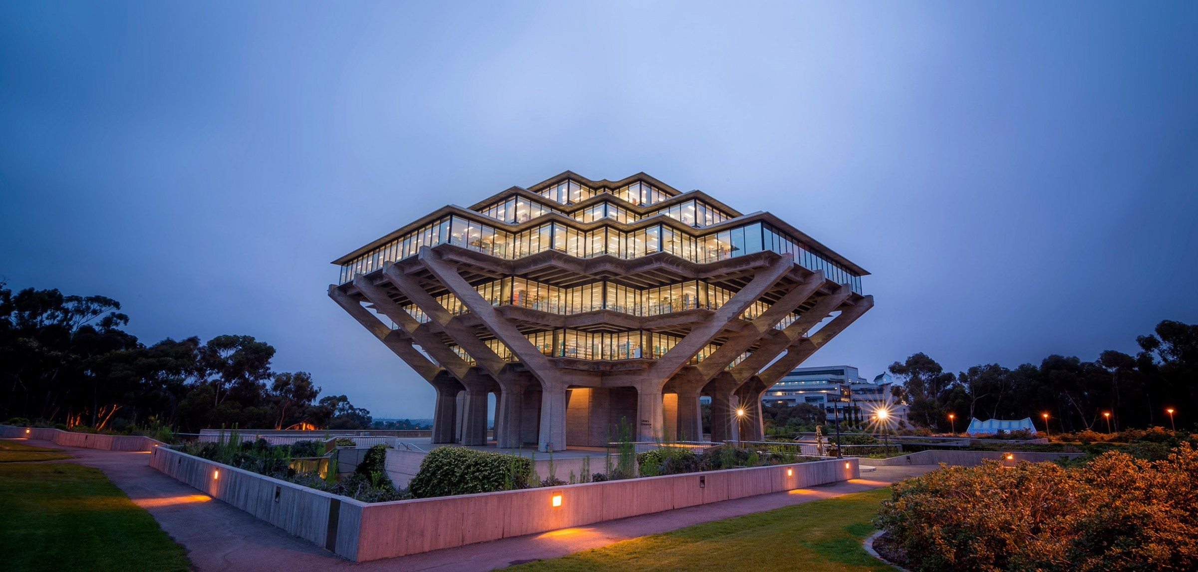 geisel library at dusk